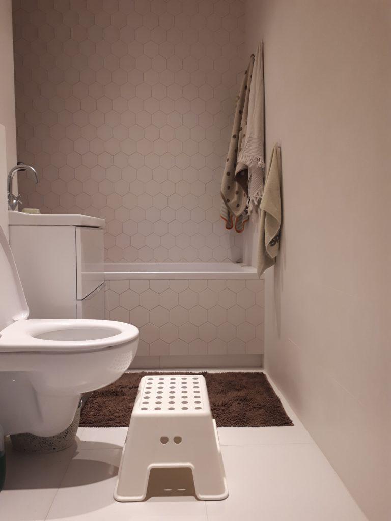 jak ruszać się więcej w ciągu dnia - nawyki toaletowe